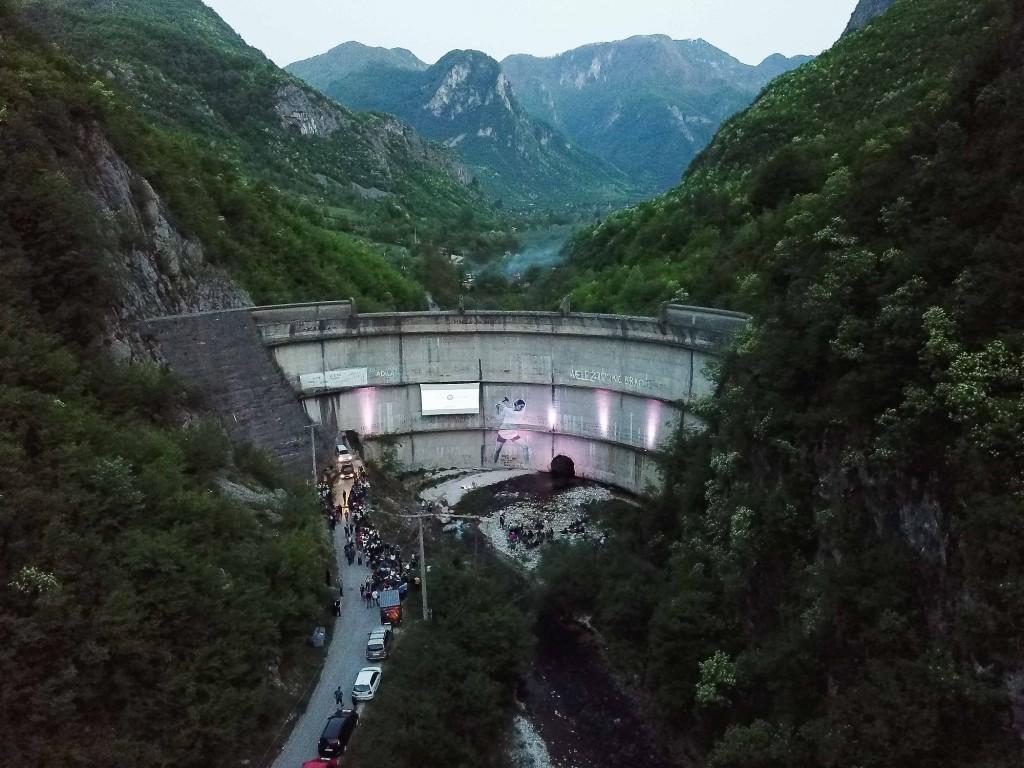 1 Premiere at Idbar Dam (c) Pierre Cadot